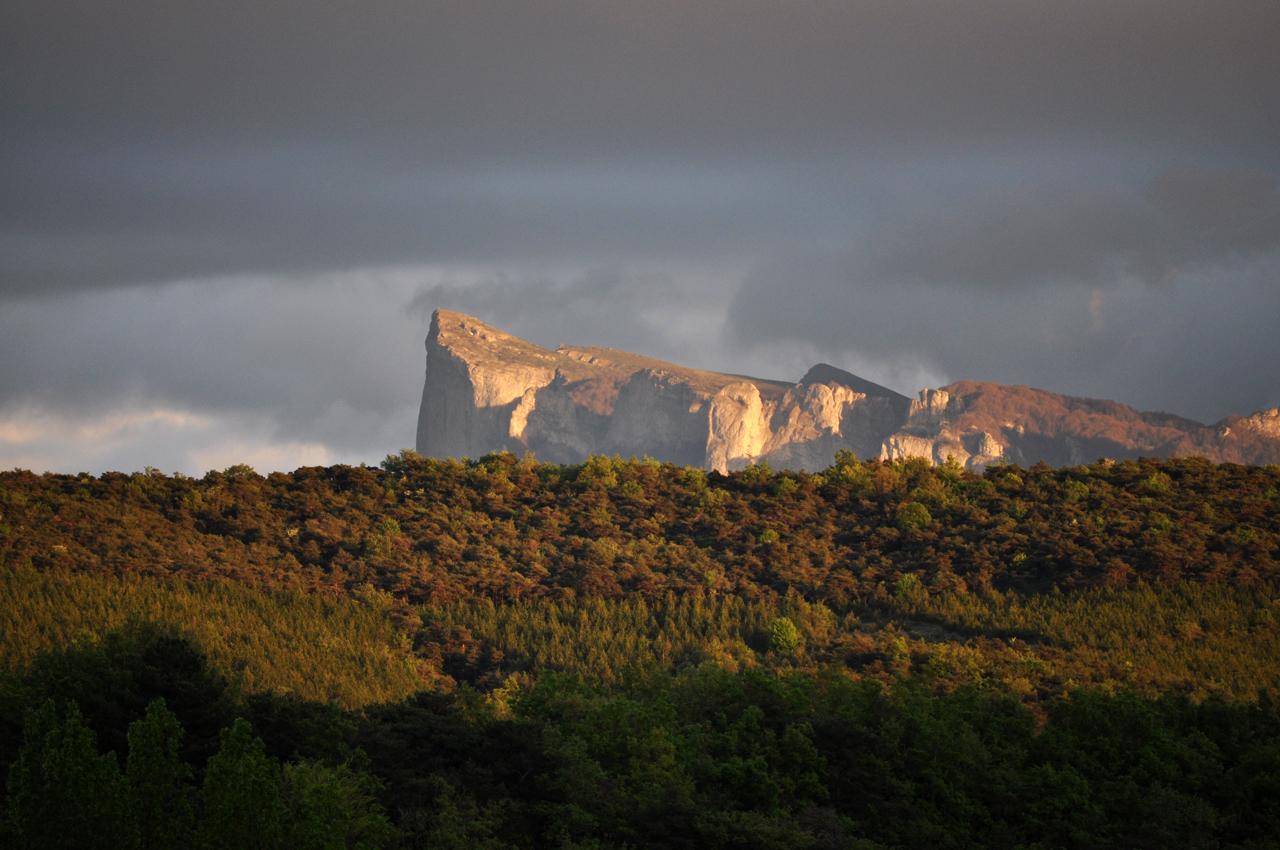 Le massif des Trois Becs depuis la maison