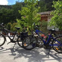 Vélos électriques en location pour profiter des environs